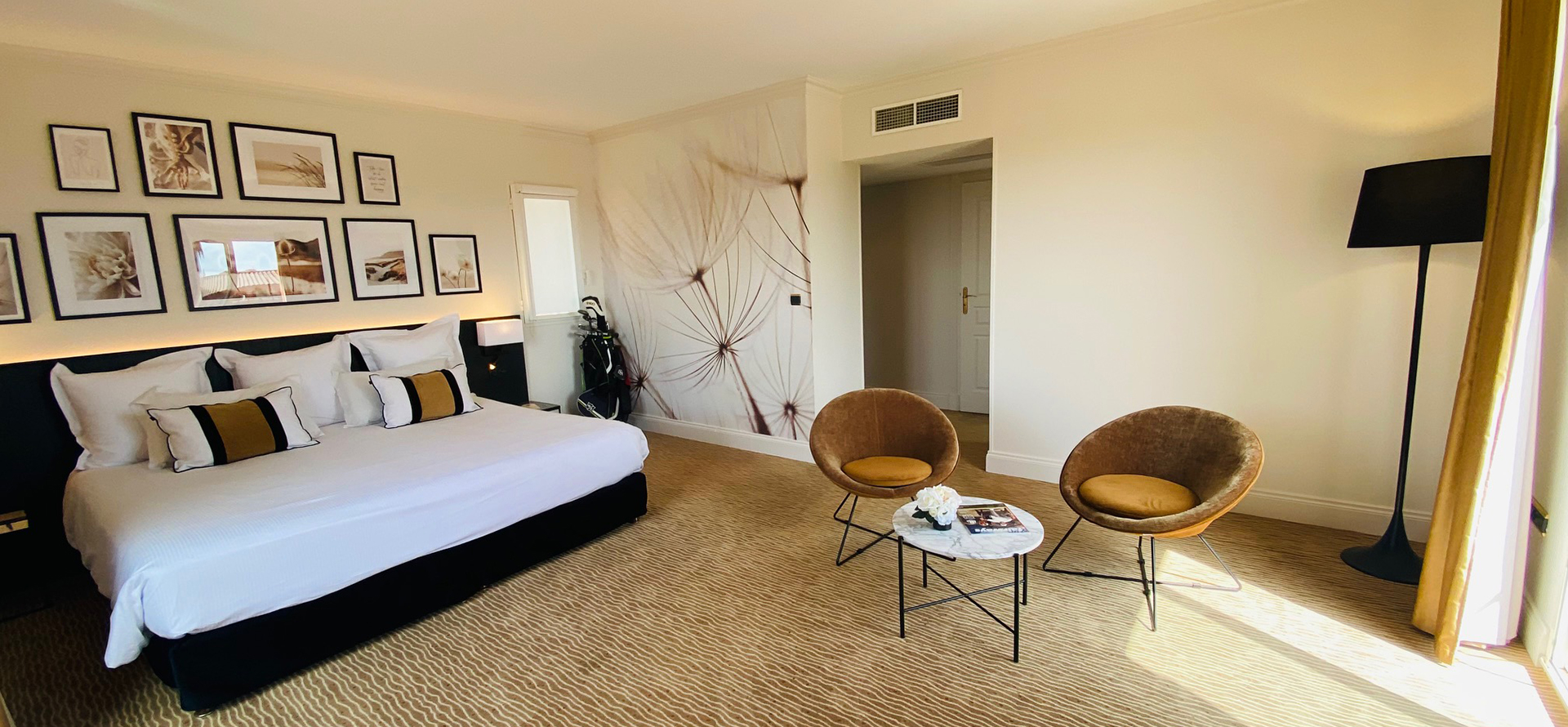 Top-quality room with 2 single beds at the Palmyra Golf hotel in Occitanie