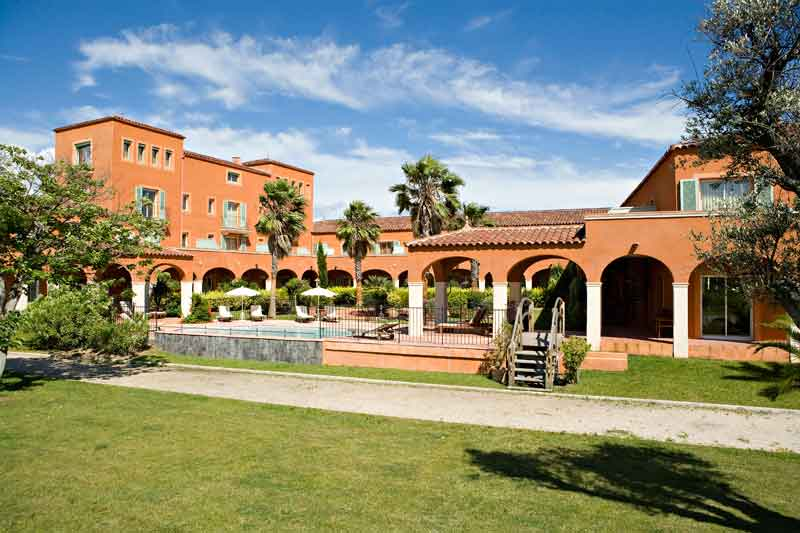 Exterior view of the Palmyra Golf hotel in Cap d'Agde in the Occitanie region.